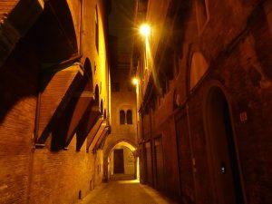 vicolo_notturno_bologna_da_sballo_unpostonuovo